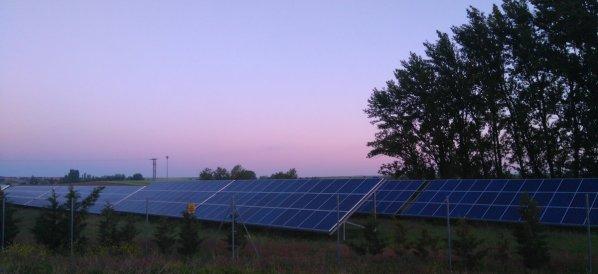"""""""Comparaison n'est pas raison"""" (phrase culte des personnes hostiles aux changements): que l'Espagne fasse mieux que nous quand aux énergies renouvelables est une évidence..."""