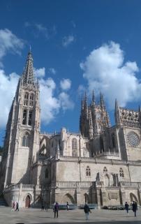 La cathédrale... il faudrait un grand angle que je n'ai pas pour tout voir sur une photo.