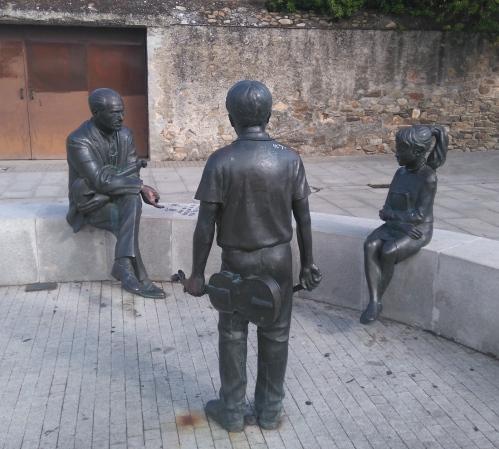 du bronze, pas des gens bien déguisés