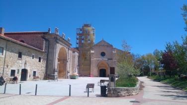 Le monastère en cours de rénovation