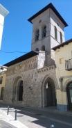 L'église de Santiago, à l'angle de la place principale