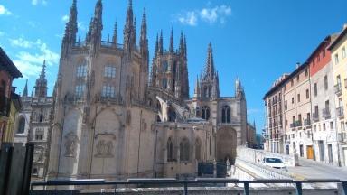 encore la cathédrale, vue de derrière.