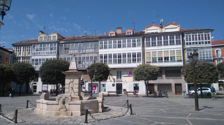 Les maisons de la Place de la Liberté