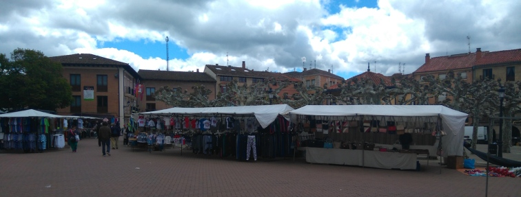 Lundi, jour du marché sur la grand place